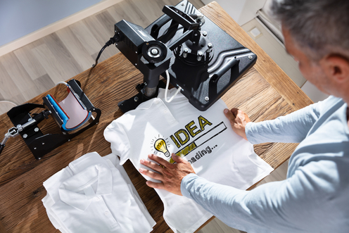 tshirt heat press AdobeStock 283122277 496x331 1